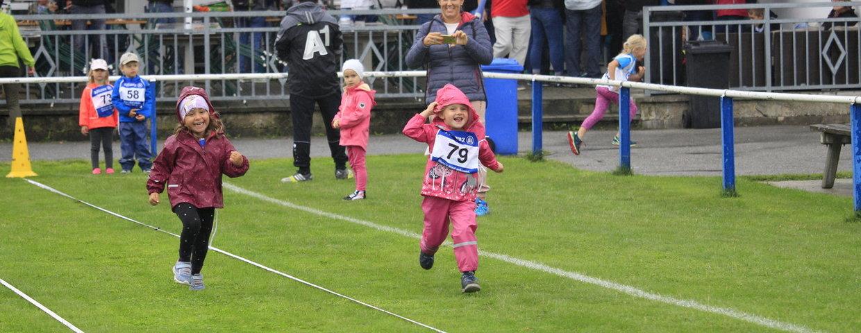 Himberger Kinderolympiade: Es regnet? War uns wurscht!